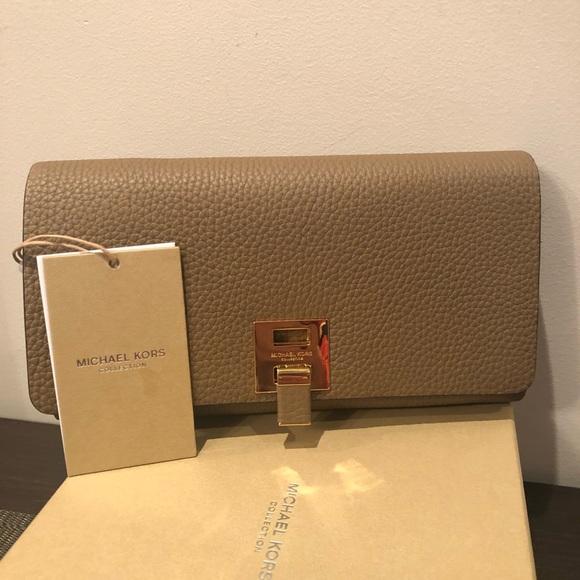 074ba6d6262e KORS Michael Kors Bags | Nwt Bankroft Michaelkors Collection Leather ...